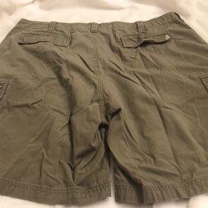 🛍 Woolrich mens Hunter Green Cargo Shorts 🛍